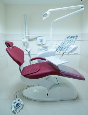 Стоматологическая установка и кресло: требования. Фото: peterzayda - Fotolia.com