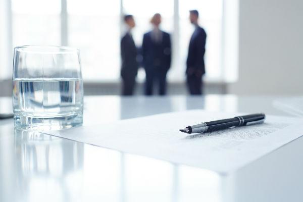 Какие документы нужно собрать, чтобы получить лицензию на алкоголь (фото: pressmaster - Fotolia.com).