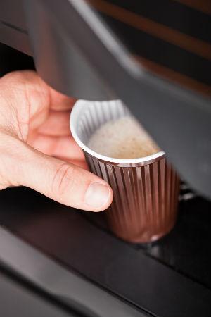Правильный выбор места расположения автомата - залог успеха предприятия (фото: apops - Fotolia.com).
