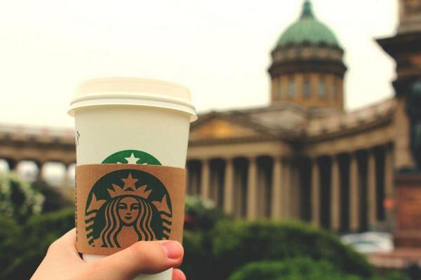 Как открыть кофейню Starbucks в России? Фото с сайта https://twitter.com/