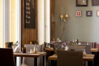 Чтобы продавать в кофейне алкоголь, потребуется лицензия (фото: Tyler Olson - Fotolia.com).