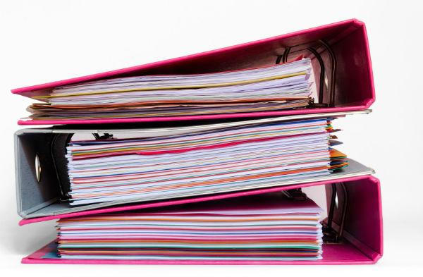 Собираем комплект документов для налоговой (фото: fotolia.com).