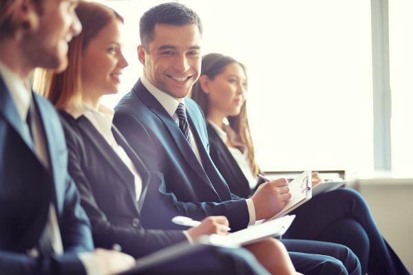 Что должно быть в учредительном договоре ОАО? (Фото: pressmaster - Fotolia.com).