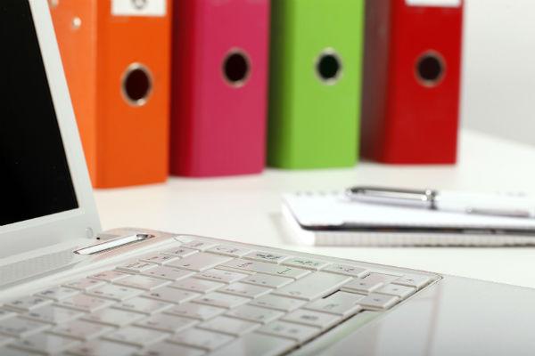 Как оформить документы, принимая на работу сотрудника с испытательным сроком (фото: Fotolia.com).
