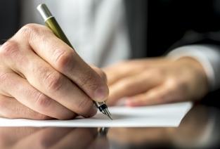 Пишем докладную руководителю: правильно и корректно (фото © Gajus - Fotolia.com).