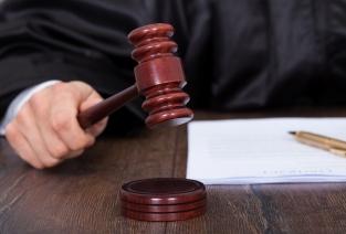 Что может грозить бизнесменам, которые ведут свою деятельность незаконно? (Фото:  apops - Fotolia.com).