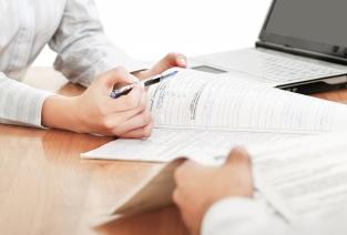 Принять на работу беженца: какие понадобятся документы (фото: lenets_tan - Fotolia.com)