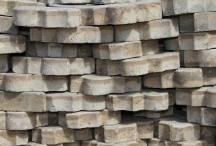 Тротуарная плитка - для высоких заработков (фото: herzogkwak - Fotolia.com).