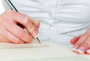 Чтобы подтвердить в налоговой свой будущий юридический адрес, понадобится соответствующий документ от собственника помещения (фото: Gina Sanders - Fotolia.com).