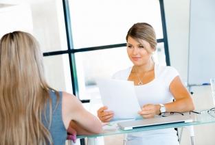 Вопросы оформления документов при трудоустройстве: какие могут быть сложности (фото © Sergey Nivens - Fotolia.com).