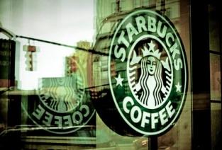 Кофейня «Starbucks» — одна из узнаваемых во всем мире. Фото с сайта ttt.yvision.kz