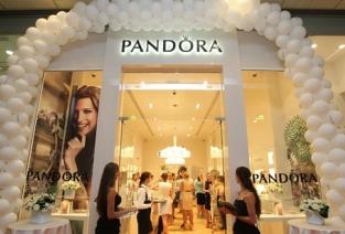 Все о всемирно известной франшизе Pandora. Фото с сайта presaonline.com