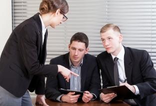 В каких случаях и как нужно расторгать трудовой договор (фото: Fotolia.com).