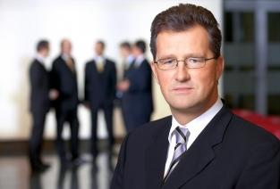 Что нужно, чтобы открыть ЗАО и выпустить акции? (фото: Günter Menzl - Fotolia.com).