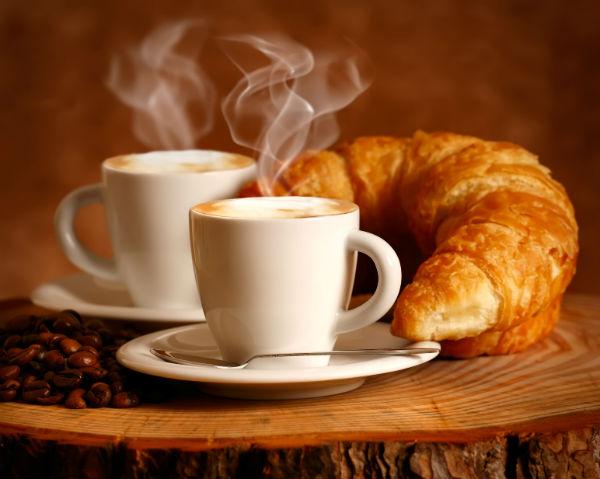 Вкусный кофе и ароматная выпечка - залог успеха новой кофейни (фото: Tesgro Tessieri - Fotolia.com).