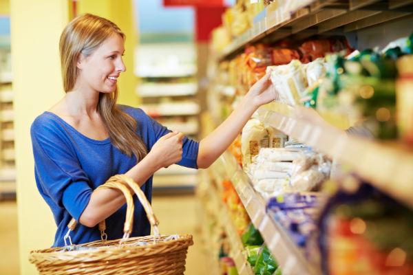 Как привлечь посетителей в продуктовый магазин (фото: Robert Kneschke - Fotolia.com)