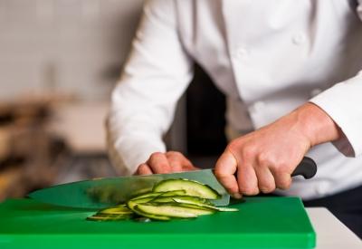 Профессиональный персонал и хорошие поставщики продуктов - залог успеха (фото: freedigitalphotos.net).