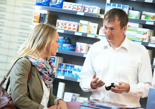 Какие требования предъявляются к персоналу аптек и почему так важно их соблюдать (фото: Kadmy - Fotolia.com).