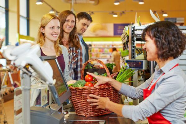 Какое оборудование нужно для продуктового магазина (фото: Robert Kneschke - Fotolia.com).
