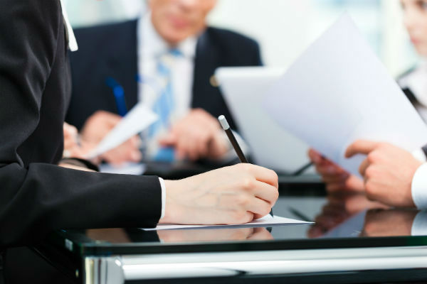 Заполняем все необходимые документы (фото: fotolia.com)