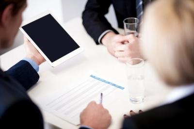 Решение о распределении прибыли должно приниматься на общем собрании участников ООО (фото: freedigitalphotos.net).