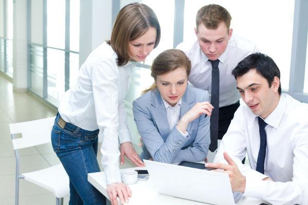 Команда отличных специалистов - залог успеха юридической фирмы (фото: yanlev - Fotolia.com).