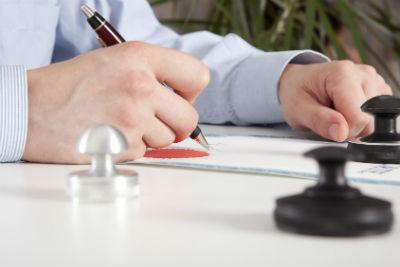 Получение лицензии - процесс, требующий времени и усилий. (Фото: © Andrey Burmakin - Fotolia.com).