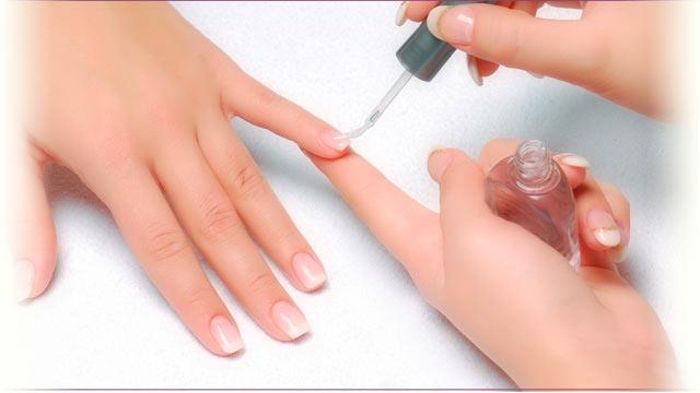 Востребован ли экспресс-маникюр? (Фото: lavenderbeautysalon.com/)