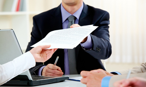Собираем документы для обращения в арбитражный суд (фото: 21tender.ru).