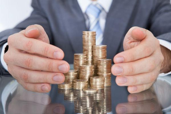 Как уберечь свои деньги при взятии кредита? (Фото: apops - Fotolia.com).